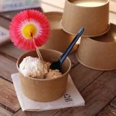 SUMMER ! ☀️   Une glace dans un pot eco-friendly pour une présentation au top 👌🏻   #ecofriendly #glace #summer #resto #emballage #potaglace #fournisseur #foodbazar