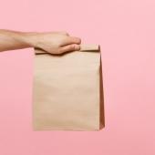Tout l'emballage pour la Vente à Emporter! ☀️ . . . . . . #aemporter #venteaemporter #doggybag #sac #foodbazar